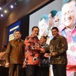 Walikota Kediri menerima Penghargaan Kepala Daerah Inovatif 2016